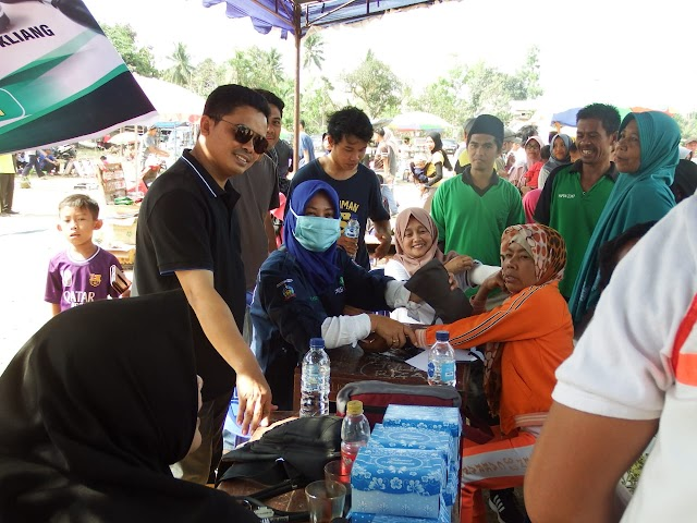 Jalan Sehat Batukliang, Anggota DPRD NTB Berikan Pengobatan Gratis