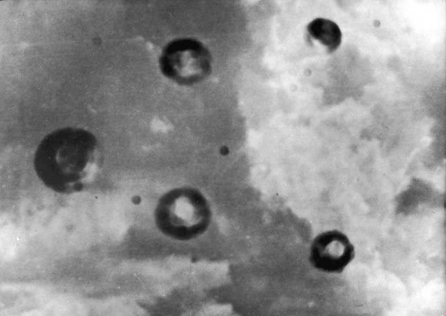 Claimed-to-be-the-first-UFO-photograph.