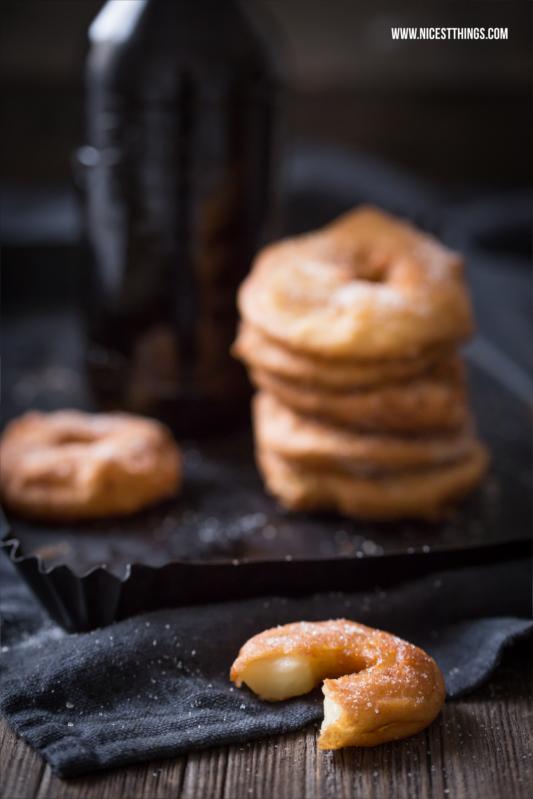 Rezept für in Bierteig frittierte Apfelringe mit Zimt