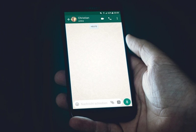 Alasan Kenapa Orang Mematikan Centang Biru WhatsApp