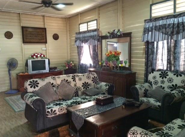 Hiasan Ruang Tamu Rumah Kampung Pictures To Pin On