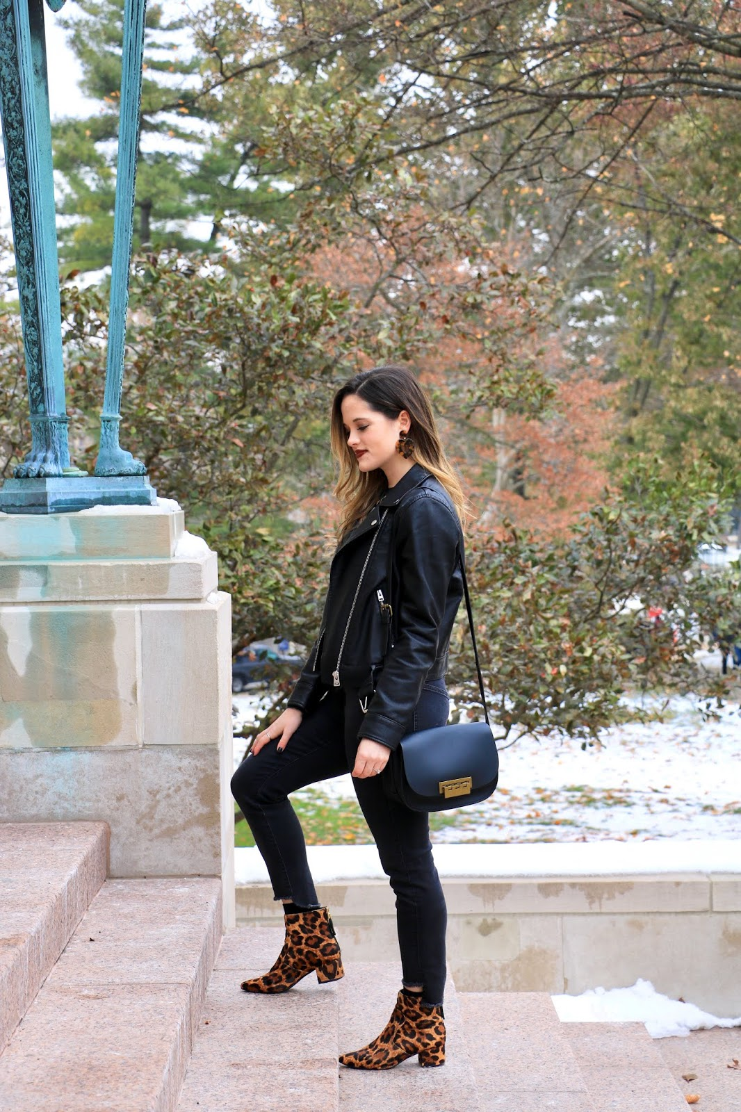 Nyc fashion blogger Kathleen Harper's leather jacket outfit idea.