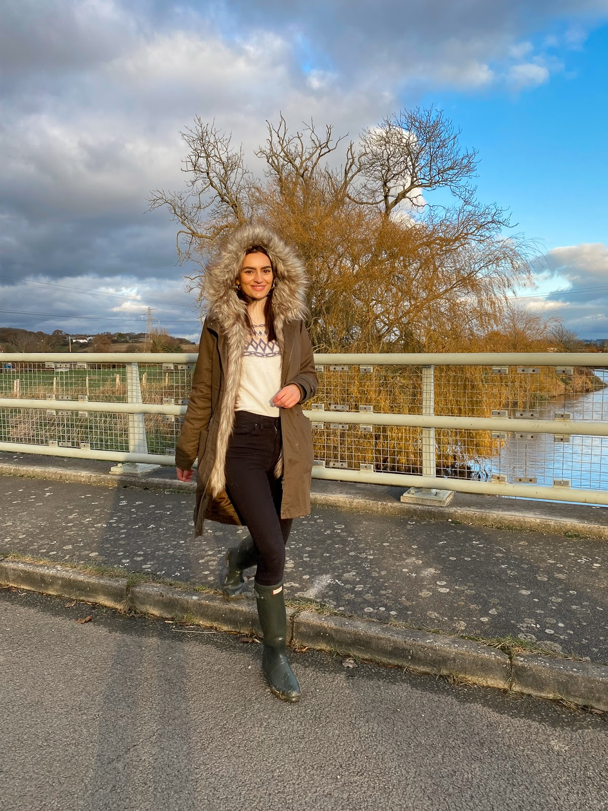 countryside-outfit-inspiration-parka-hunter-wellies