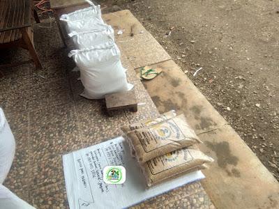 3-Benih padi yang dibeli   EUIS SUTARSIH Sukoharjo, Jateng  (Setelah packing karung ).
