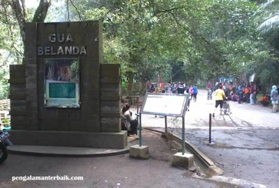 Gua Goa Belanda di kawasan wisata dago Pakar Bandung