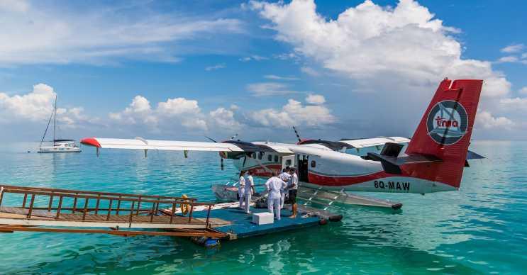 Bu uçak taksi Küçük Cayman Adası ve Cayman Brack Adası arasında hizmet veriyor.