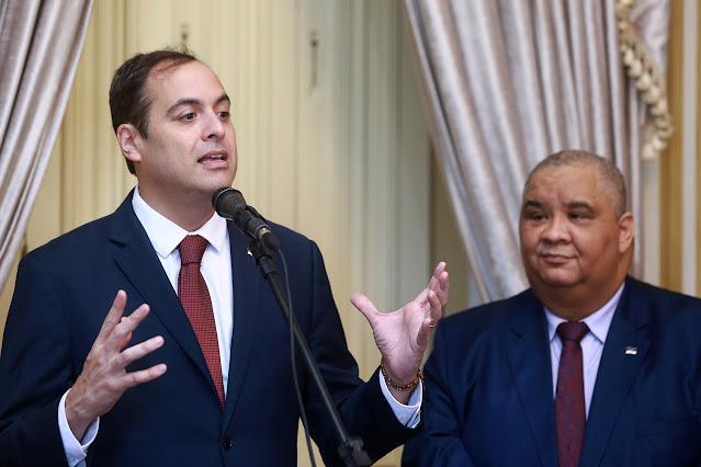 Paulo Câmara decreta ponto facultativo nas repartições públicas de Pernambuco