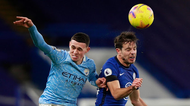 Manchester City forwad Phil Foden and Chelsea defender Cesar Azpilicueta