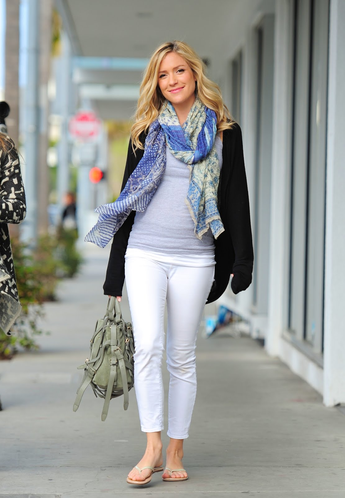 Hills Freak: Pregnant Kristin Cavallari Shows off her Baby ...
