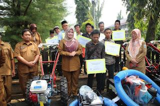 Hibah Alat Mesin Pertanian Dari Anggaran APBD Kab Dan Prov.Banten Untuk Petani