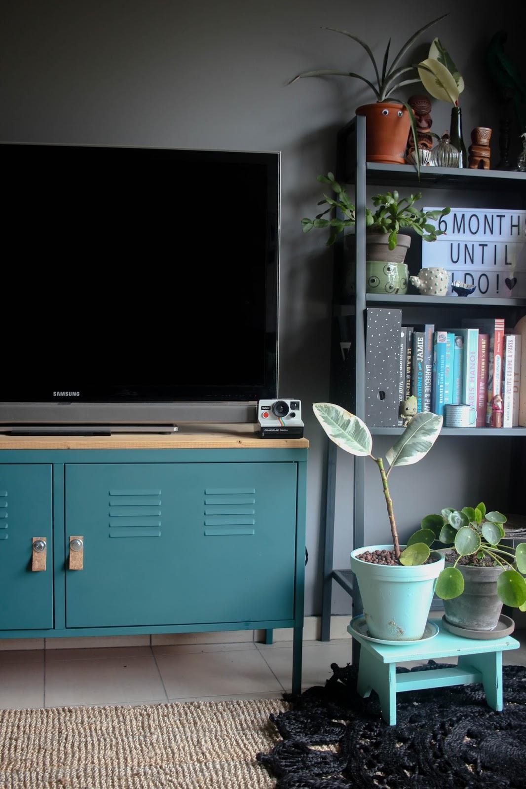 sugar and dinosaurs: diy - relooker un meuble tv en métal (ikea ps hack)