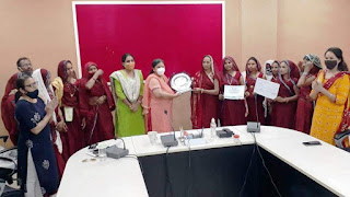 राष्ट्रीय स्तर पर सम्मानित नवदुर्गा एसएचजी की महिलाओं ने आला अधिकारियो के समक्ष रखे अपने विचा