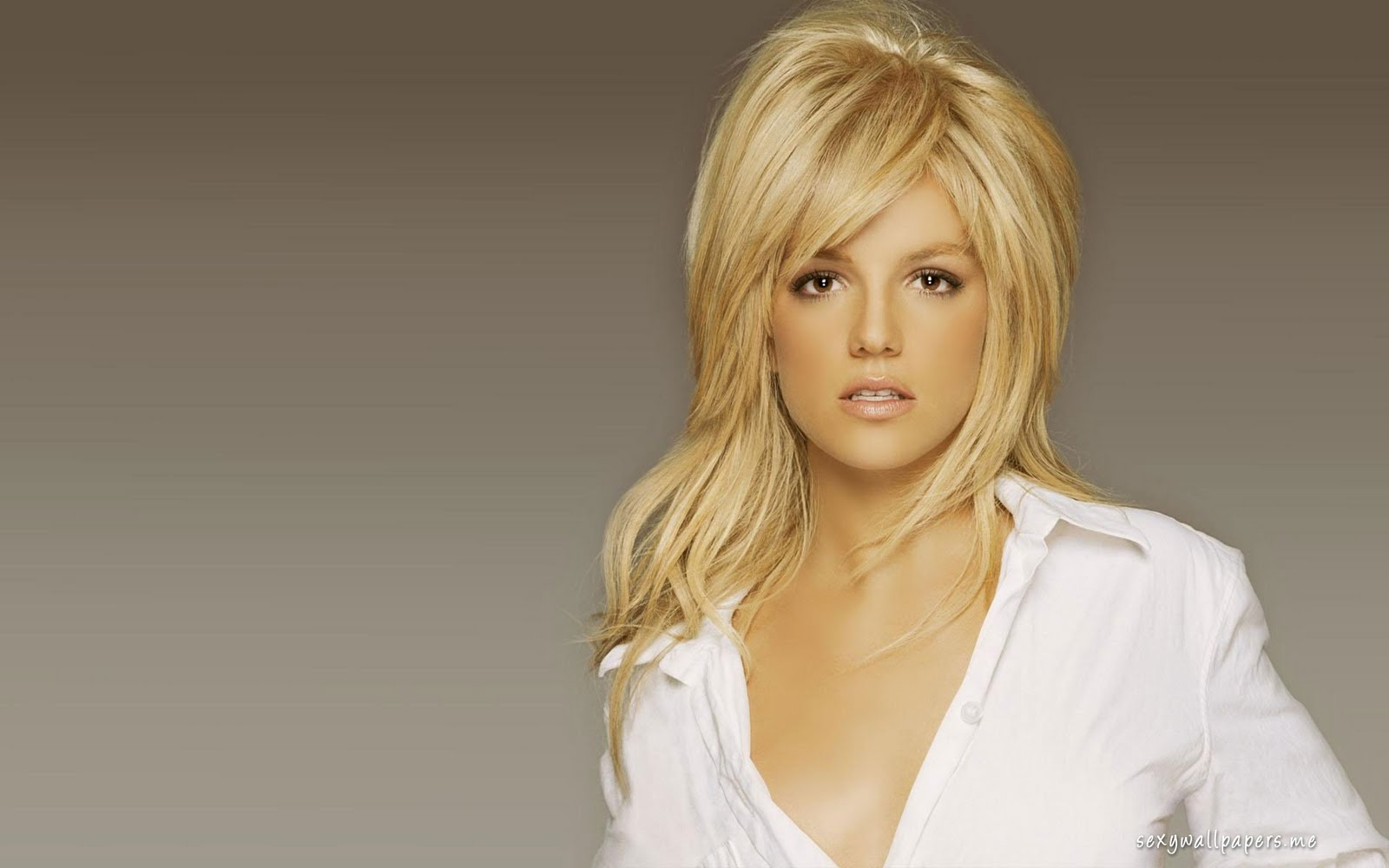 Britney Spears Hair Styles: QQ Wallpapers: Britney Spears HQ Wallpaper Set 2