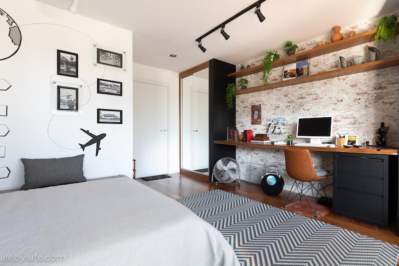 Dormitorio y oficina con cama elevable