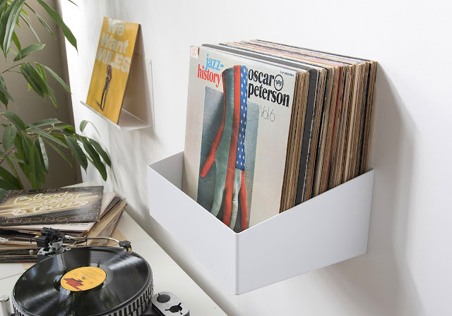 mono and stereo high end audio magazine teebooks teenyle vinyl storage. Black Bedroom Furniture Sets. Home Design Ideas