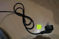 Kabel: Andrew James großer 45cm Bodenventilator aus Metall – 100 Watt, kraftvoller Luftfluss, 3 Geschwindigkeitseinstellungen und verstellbarer Neigung – 2 Jahre Garantie