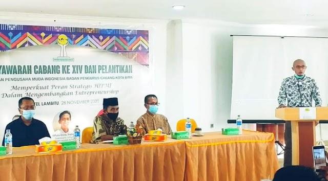 Didampingi Ketua STIE Bima, Walikota Hadiri Muscab ke XIV dan Pelantikan HIPMI