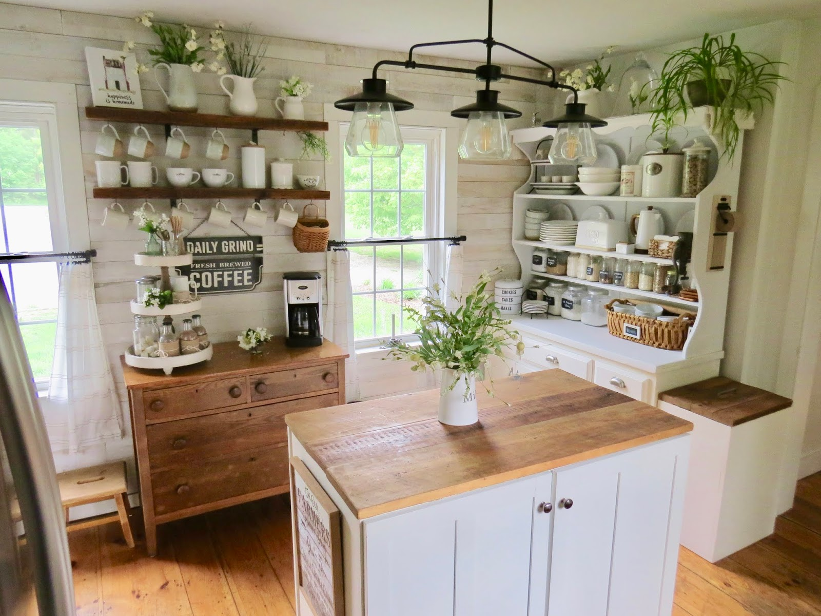 The Long Awaited Home: DIY Farmhouse Kitchen on a Budget