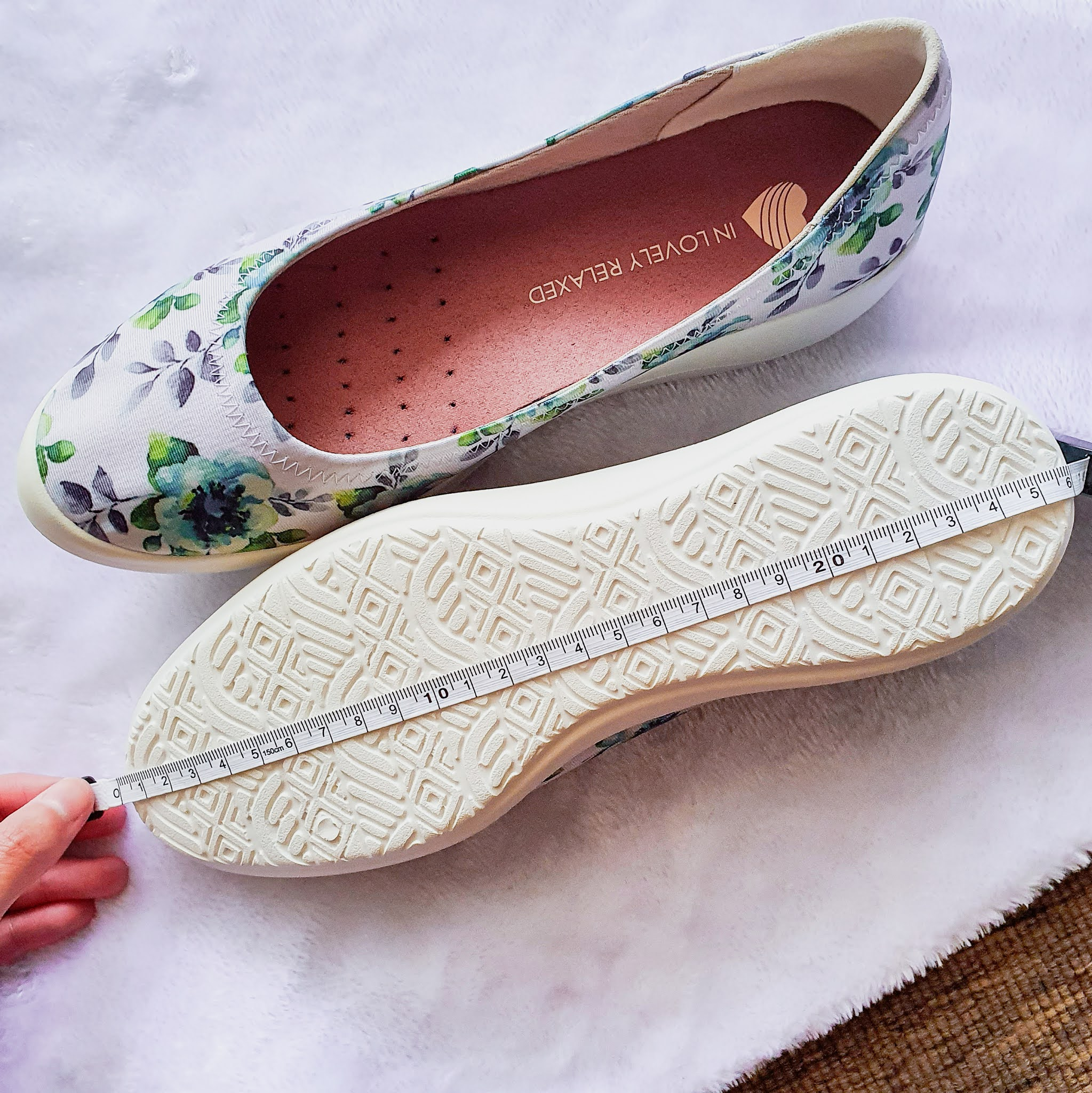 size 37, equivalent to insole length of 23.5cm