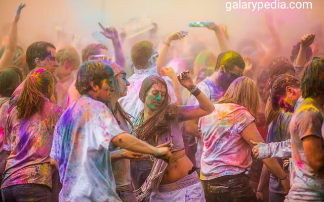 Holi pictures in hd