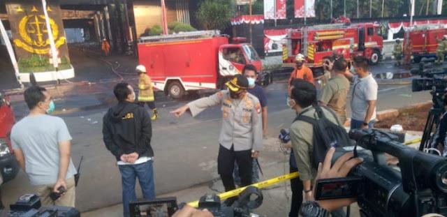 Imbas Gedung Kejagung Terbakar, 25 Tahanan Dievakuasi ke Tempat Ini, TKP Masih Didinginkan