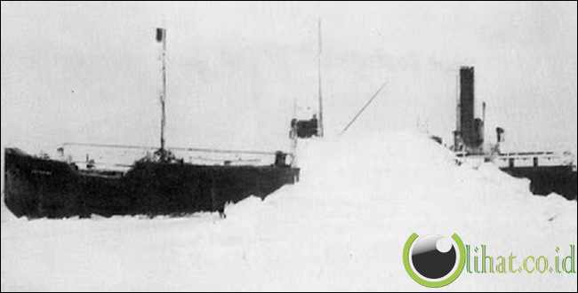 Ghost Ship of the Frozen North (1931)