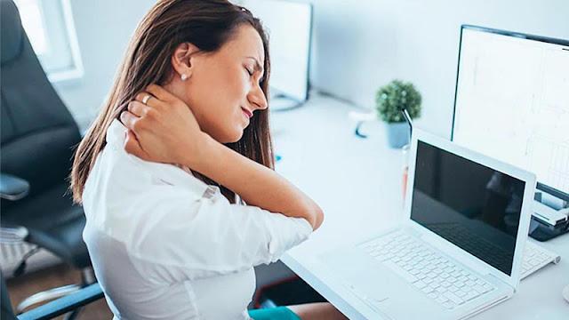 Cách giảm đau mỏi vai gáy cho dân văn phòng