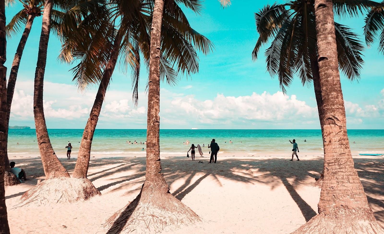 A Quick Guide to Boracay Island, Aklan; white beach boracay