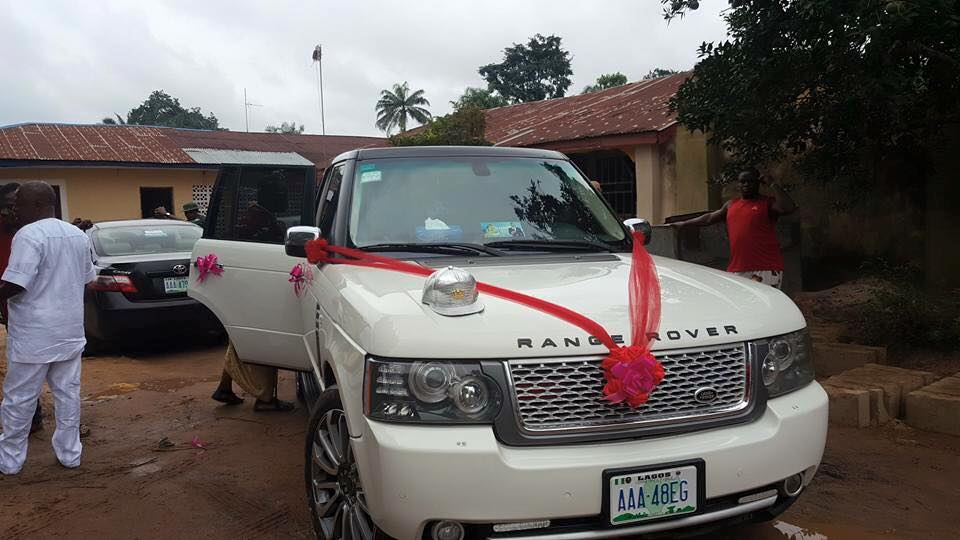 Man Surprises Wife With Range Rover As Birthday Gift On Their