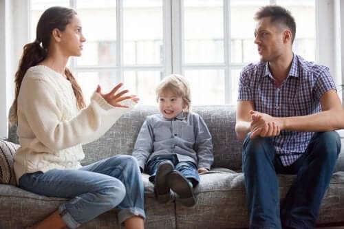 Pourquoi les parents doivent s'entendre sur l'éducation de leurs enfants