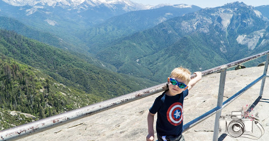 Moro Rock Trail and Tokopah waterfalls trail in Sequoia National Park