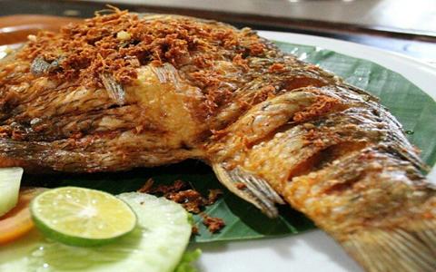 Bumbu ikan mas goreng dan cara menggoreng ikan mas renyah