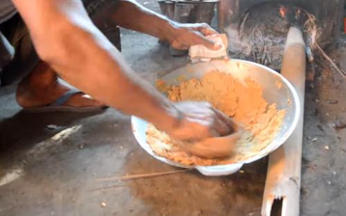 Begini Cara Membuat Gula Semut Kelapa