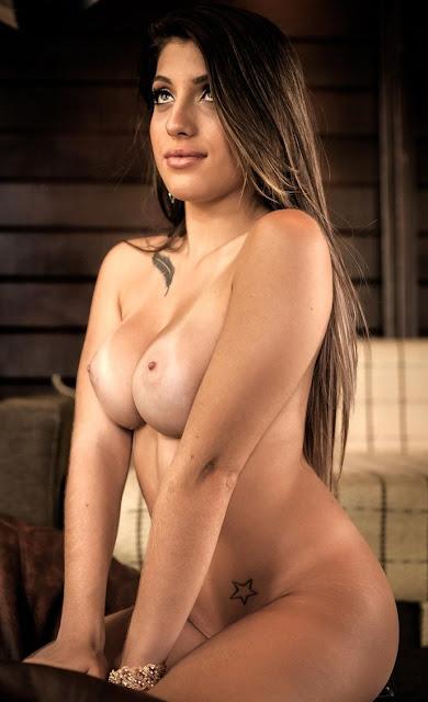 Fotos de Steffani Prudencio nua e pelada na Revista Sexy
