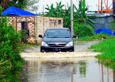 5 Tips Merawat Mobil Saat Musim Hujan