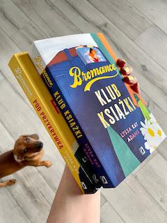 """""""Klub książki"""" i """"Pod przykrywką"""" Lyssa Kay Adams, fot. paratexterka ©"""