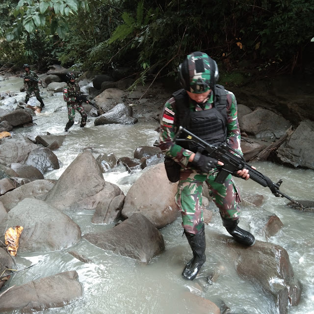 Cegah Pelanggaran Lintas Batas, TNI Sisir Hutan Belantara di Papua