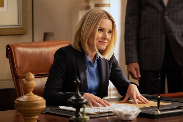 """NUP 186635 2894 595 - The Good Place (S04E01) """"Chapter 40: A Girl from Arizona, Pt. 1"""" Season Premiere"""