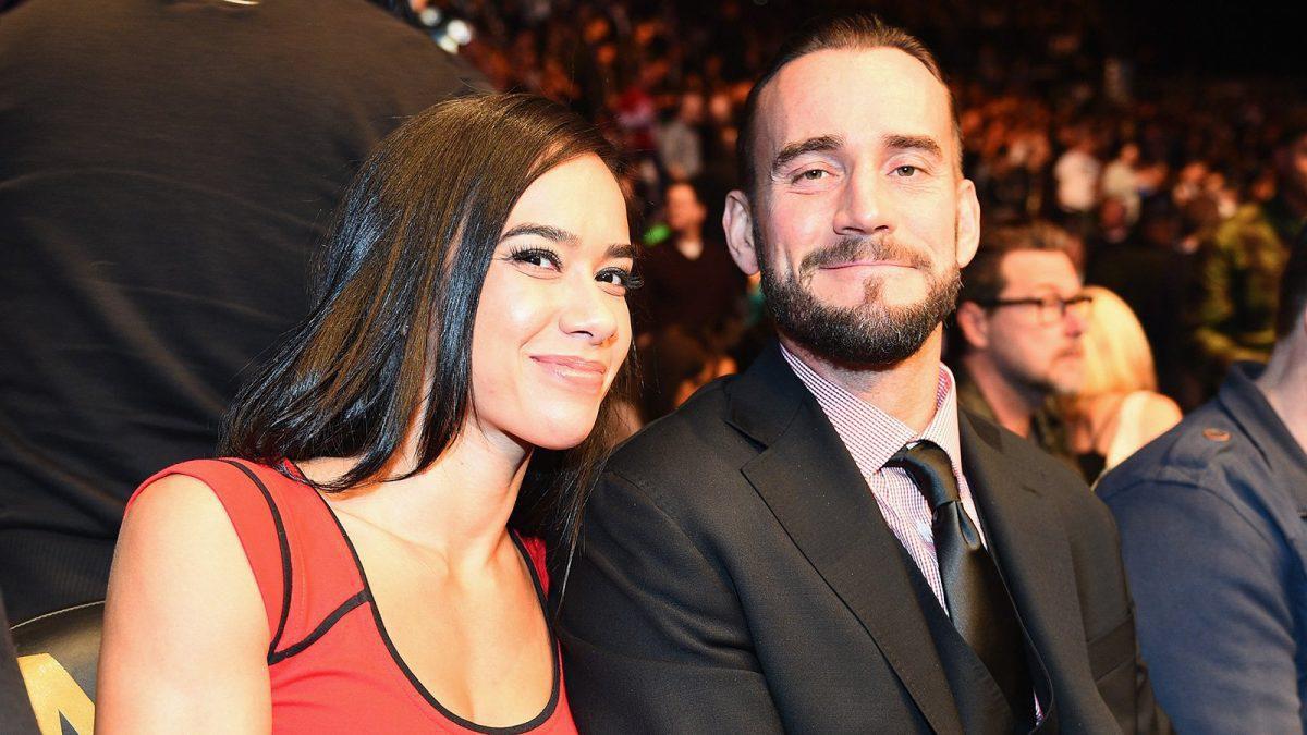 """CM Punk revela a razão por trás das """"brigas"""" com AJ Lee após sua saída da WWE"""