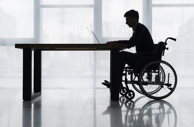 34% dos profissionais com deficiência se sentem isolados no mercado de trabalho