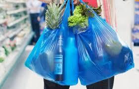 Chile le dice adiós a  las bolsas plásticas: ningún comercio puede ya entregarlas