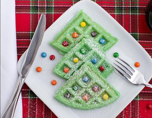 Christmas Tree Waffles #desserts #easy