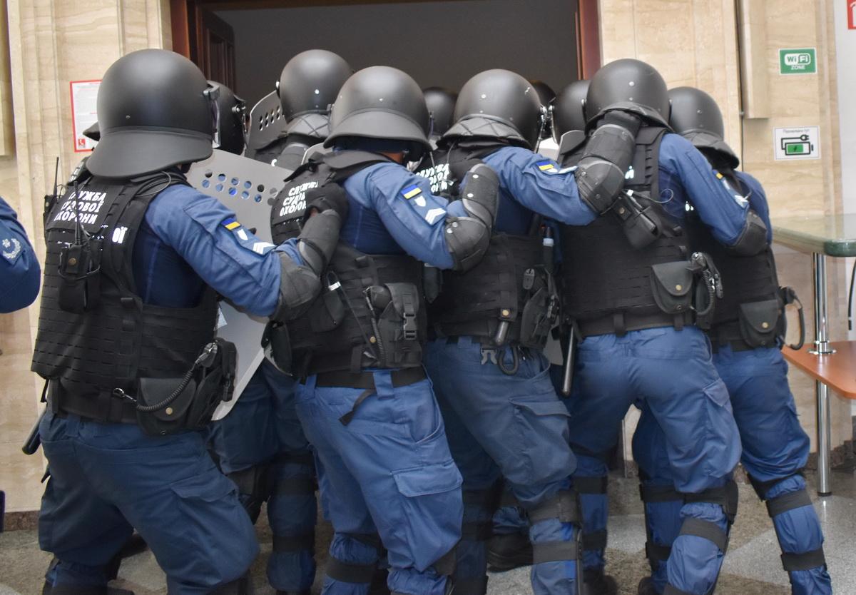 Судова охорона відмовилась від бронежилетів Оберіг 2  які прострілюються