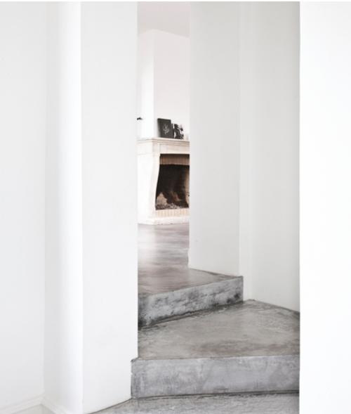 leuchtend grau interior magazin celebrating soft minimalism wei es haus norm architects. Black Bedroom Furniture Sets. Home Design Ideas