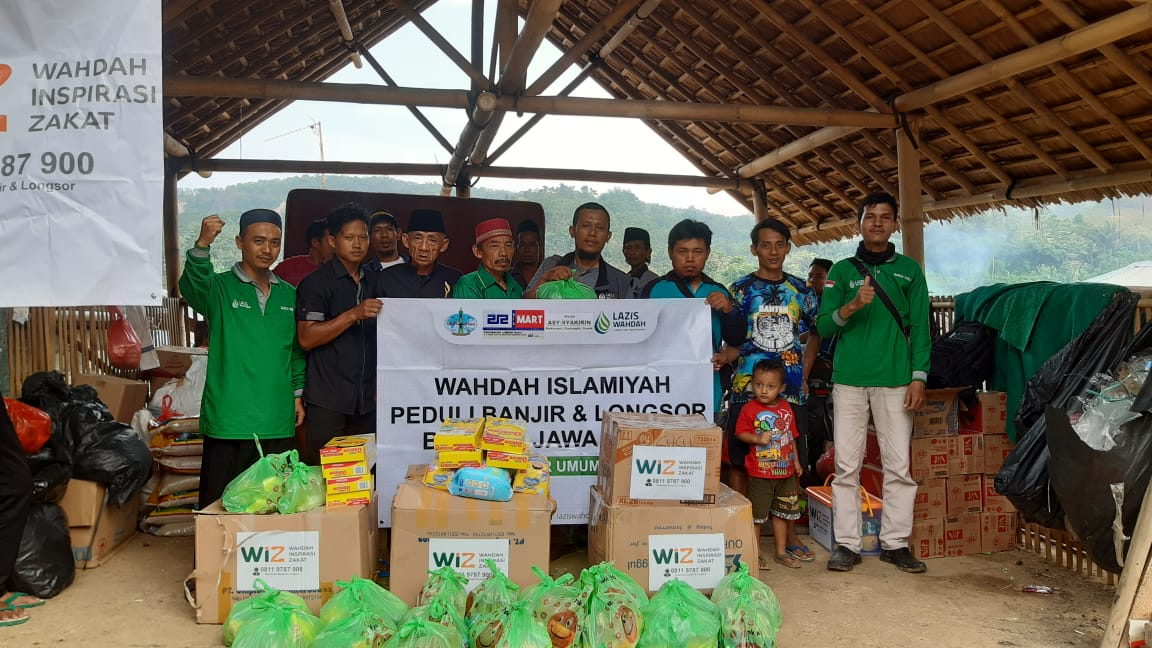 Relawan WIZ Berhasil Tembus Lokasi Banjir Terparah Desa Urug