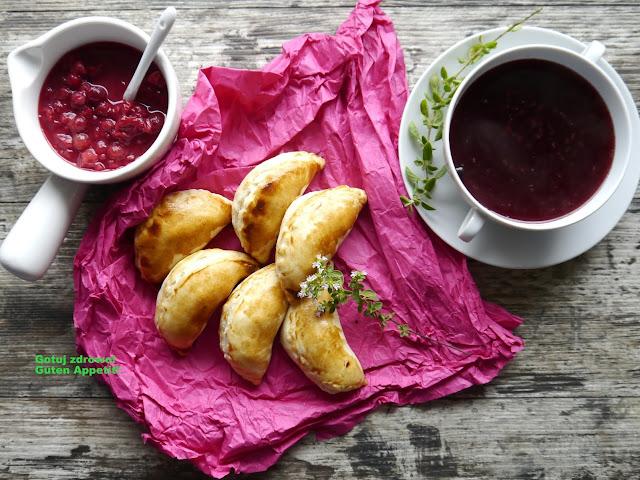 Pierogi ruskie z ciasta francuskiego - Czytaj więcej »