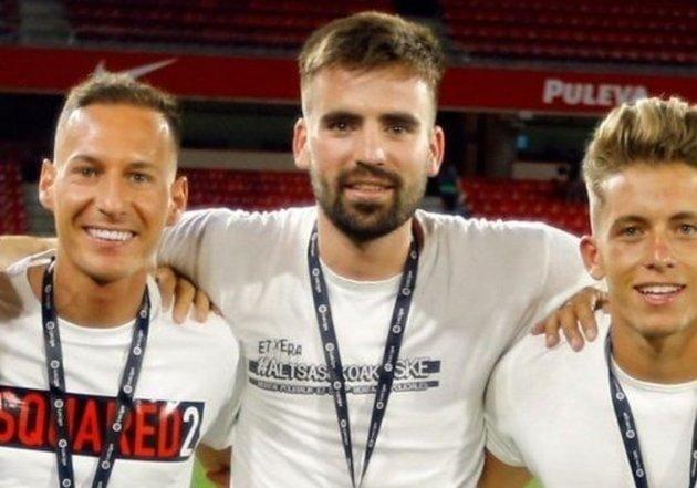 La camiseta del guardameta del Granada CF. que ha indignado a los medios conservadores