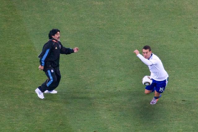 Ribuan Orang Antre untuk Ucapkan Selamat Tinggal Kepada Maradona.lelemuku.com.jpg