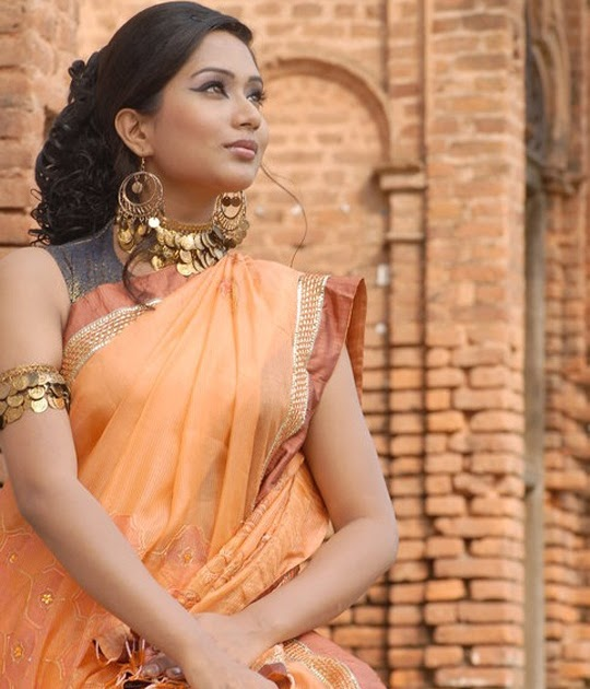 Bangladeshi Hot Model Sexy Actress Zakia Bari Momo HD