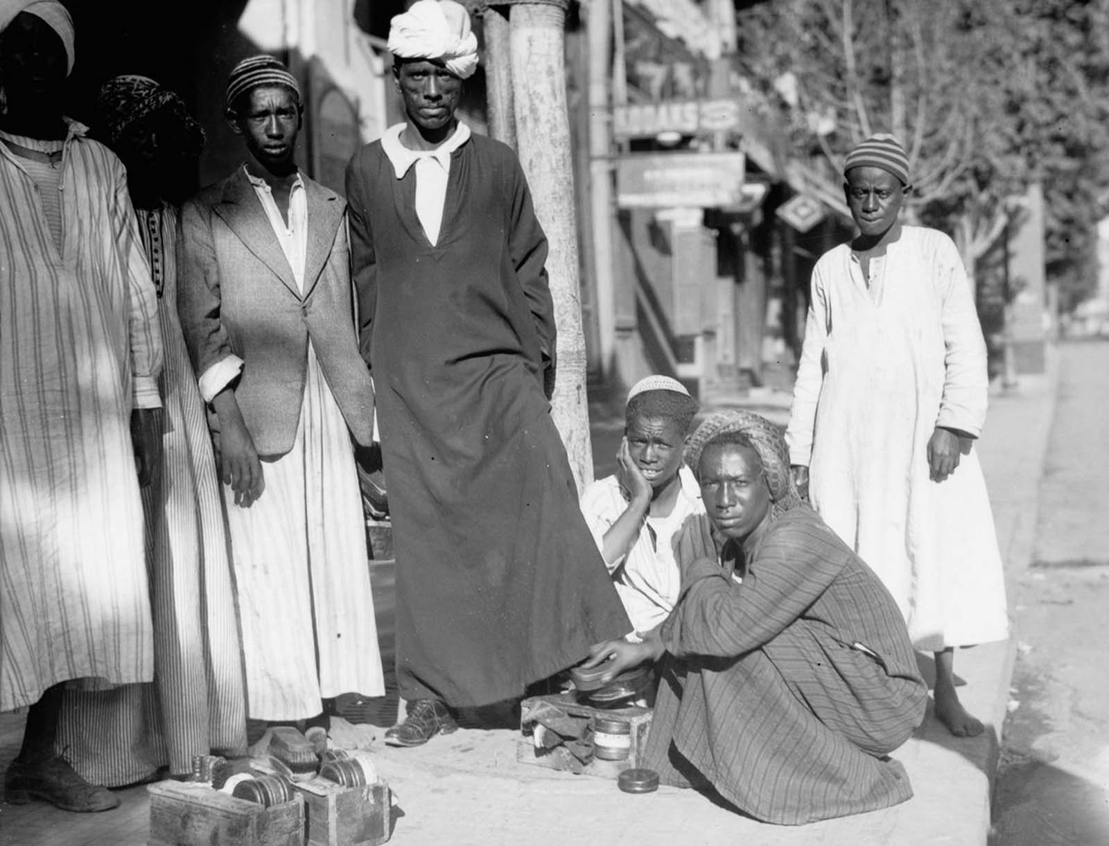 A shoeshine stand in Old Cairo. 1934.